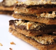 Chocolate Peanut Butter Club Cracker Toffee