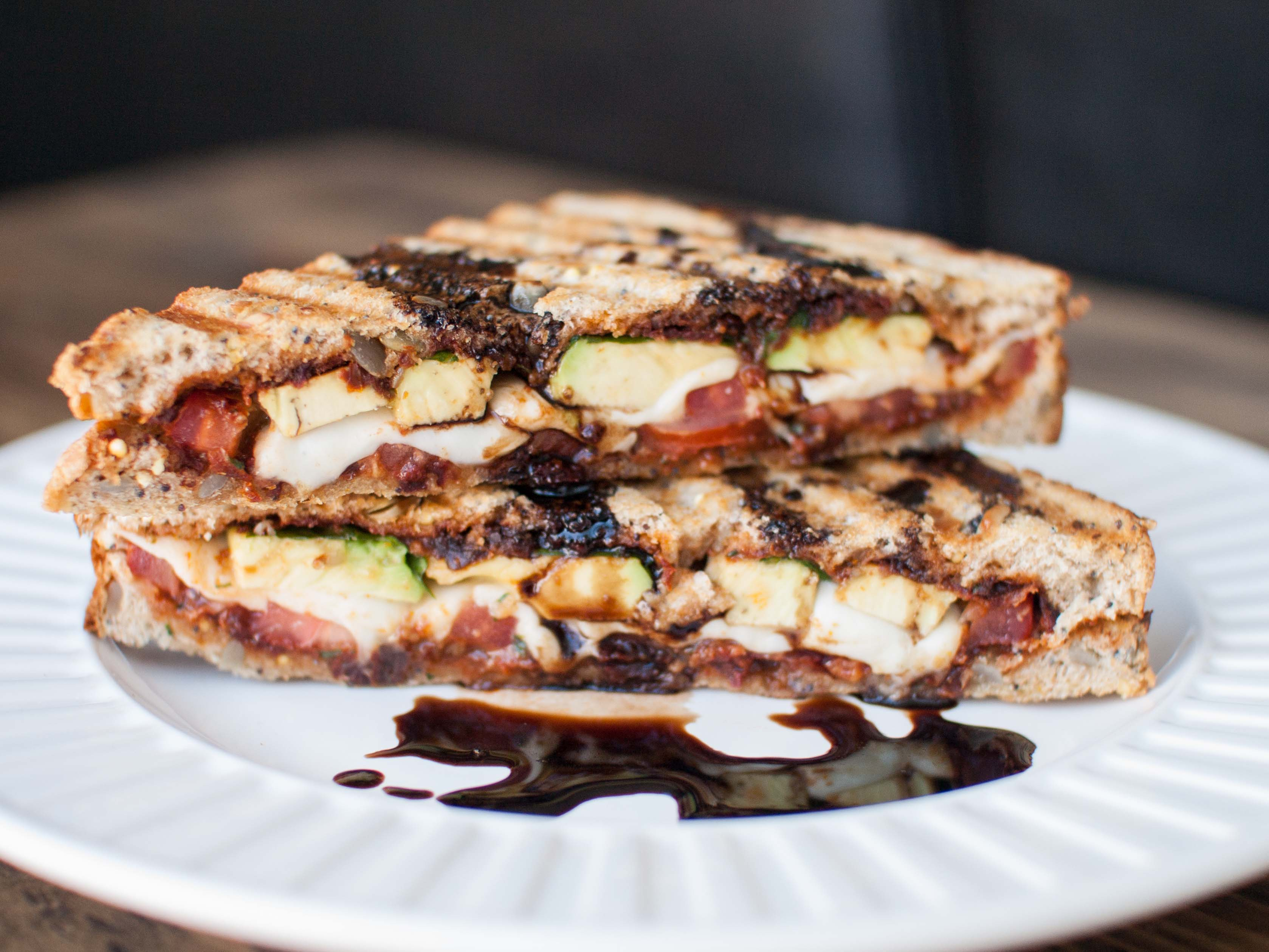 caprese grilled cheese with avocado and sundried tomato pesto3