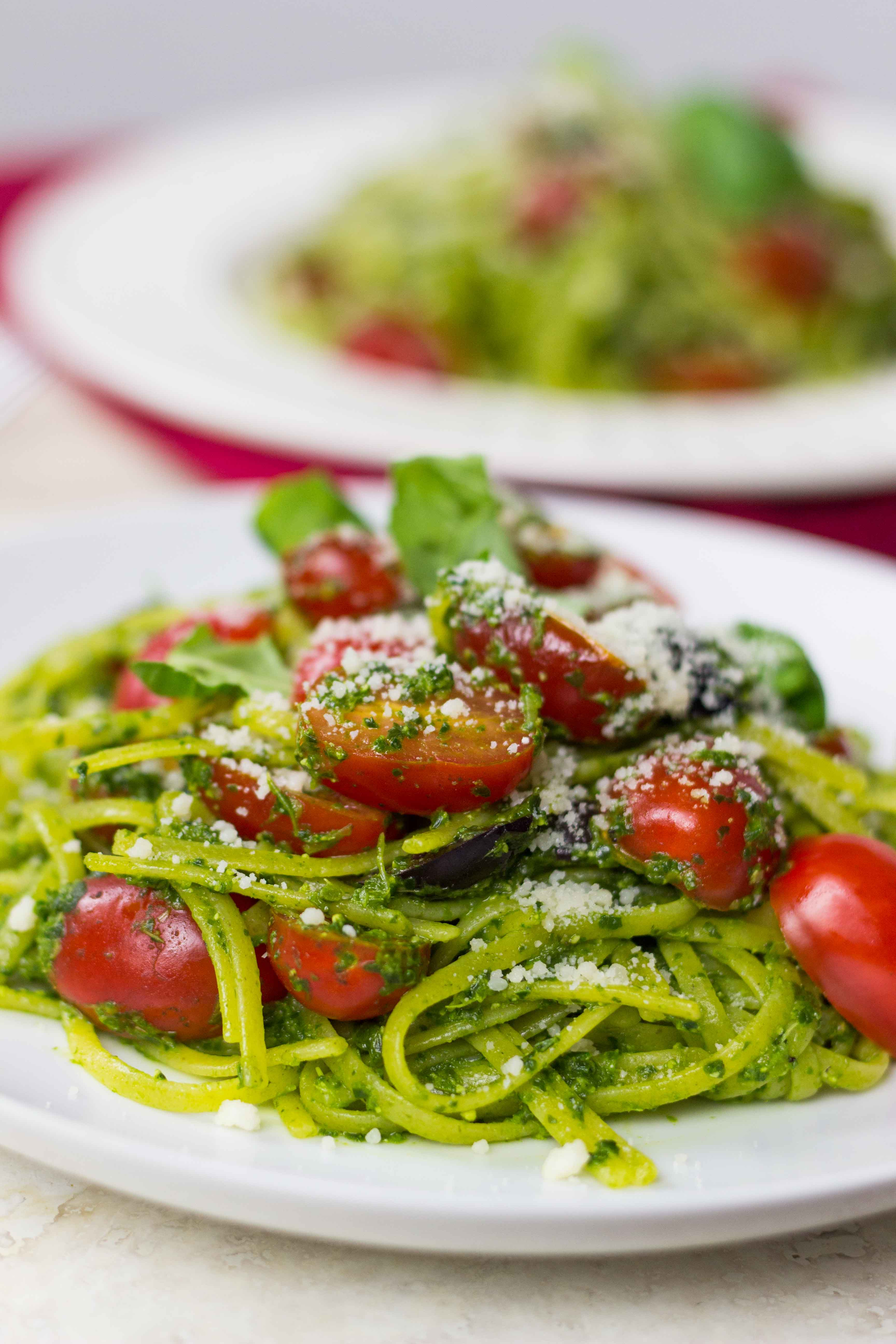 Kale Pesto Linguine | Veggie and the Beast