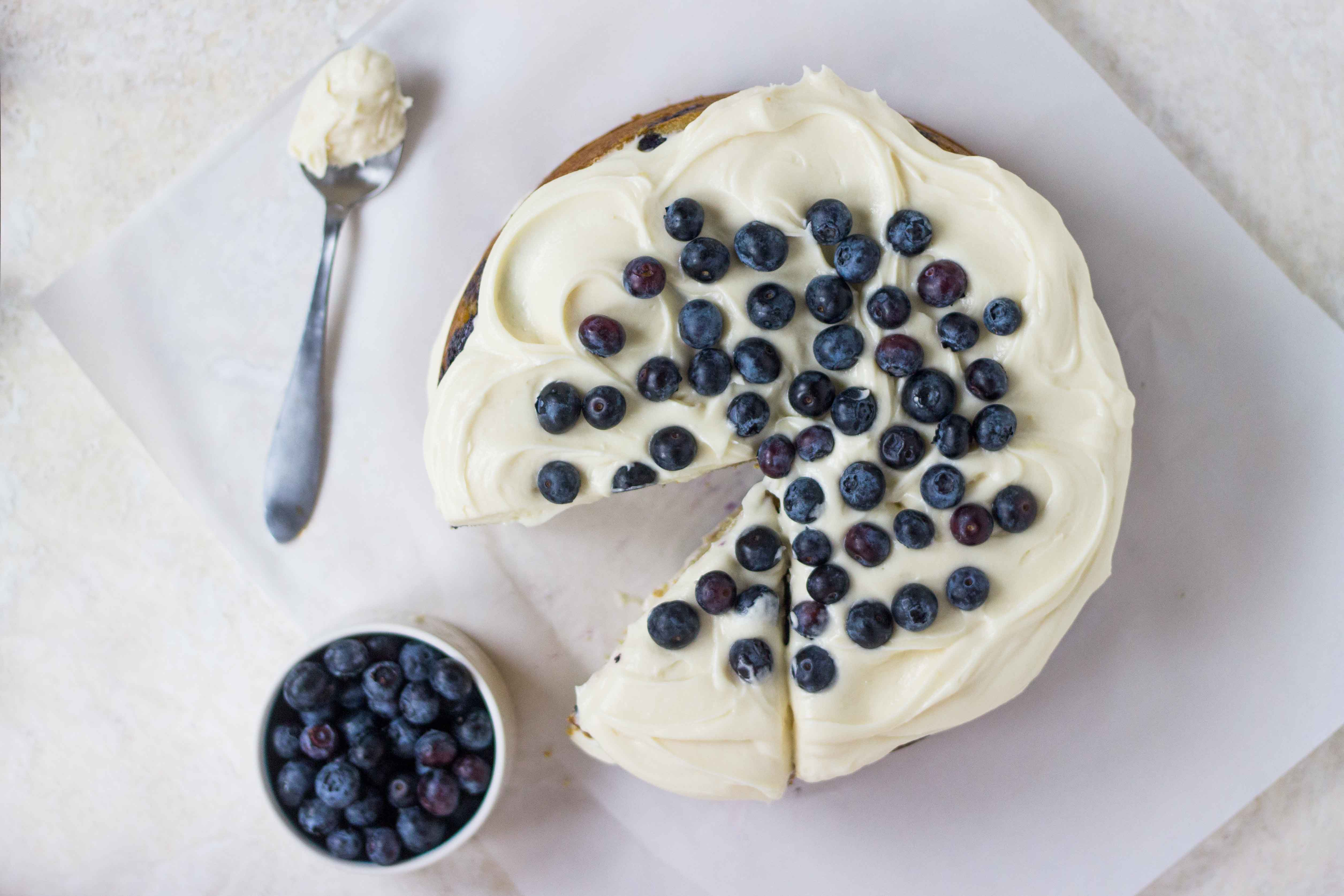 Blueberry Cream Cheese Cake | Veggie and the Beast