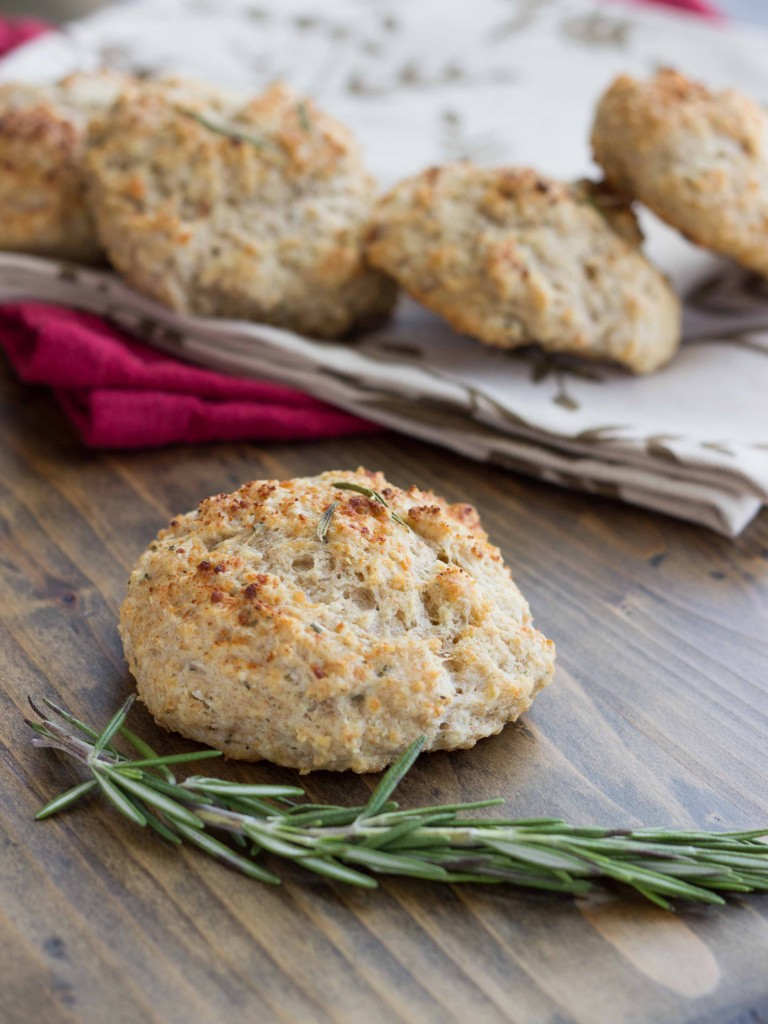 Rosemary Parmesan Drop Biscuits | Veggie and the Beast