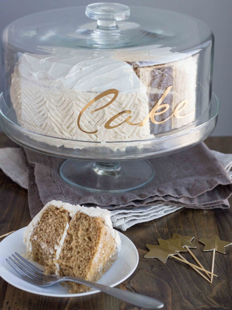 Spiced Chai Cake with Vanilla Bean Buttercream (Vegan) | Veggie and the Beast