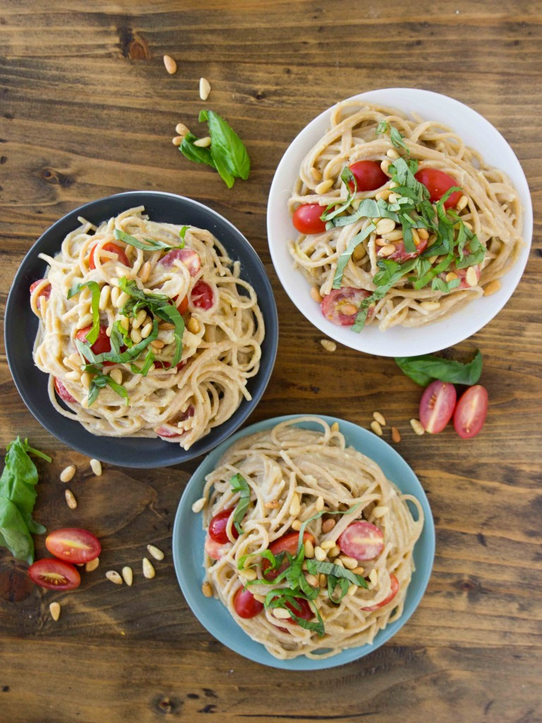 Creamy Lemon Artichoke Pasta - an easy, flavor-packed #vegan pasta that can be whipped up in 15 minutes!