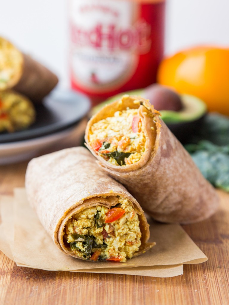 Vegan Superfood Breakfast Burritos | http://veggieandthebeastfeast.com