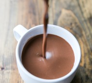 Simple and Super Creamy Vegan Hot Chocolate // veggieandthebeastfeast.com #vegan