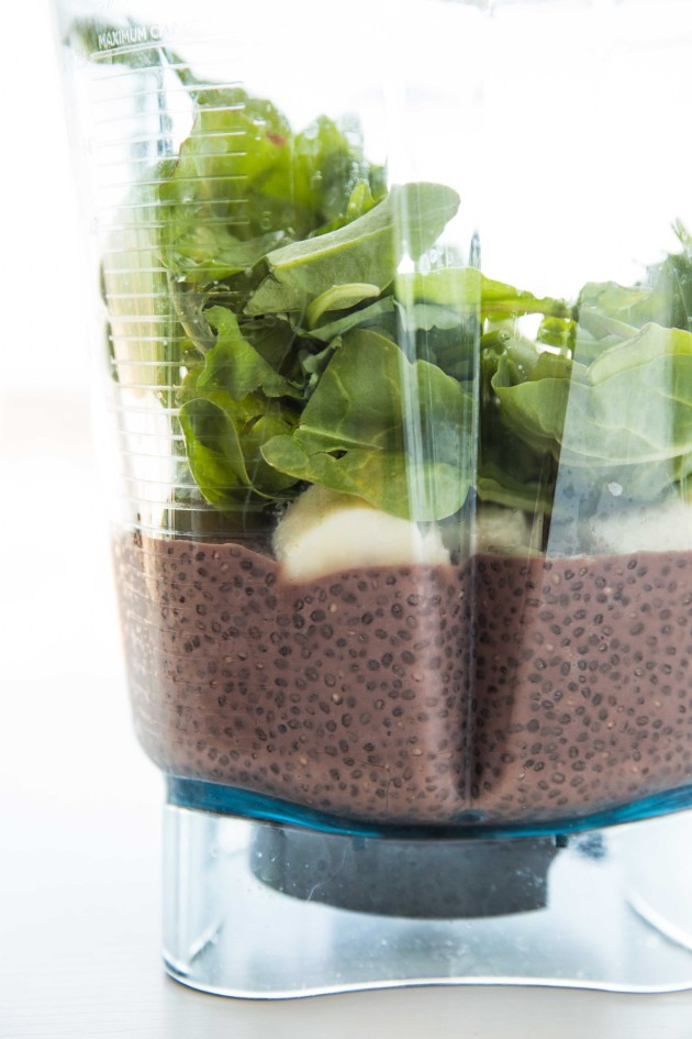 Superfood Chocolate Banana Chia Pudding - Thick, creamy pudding made from superfoods like chia seeds, cocoa powder, and spinach!