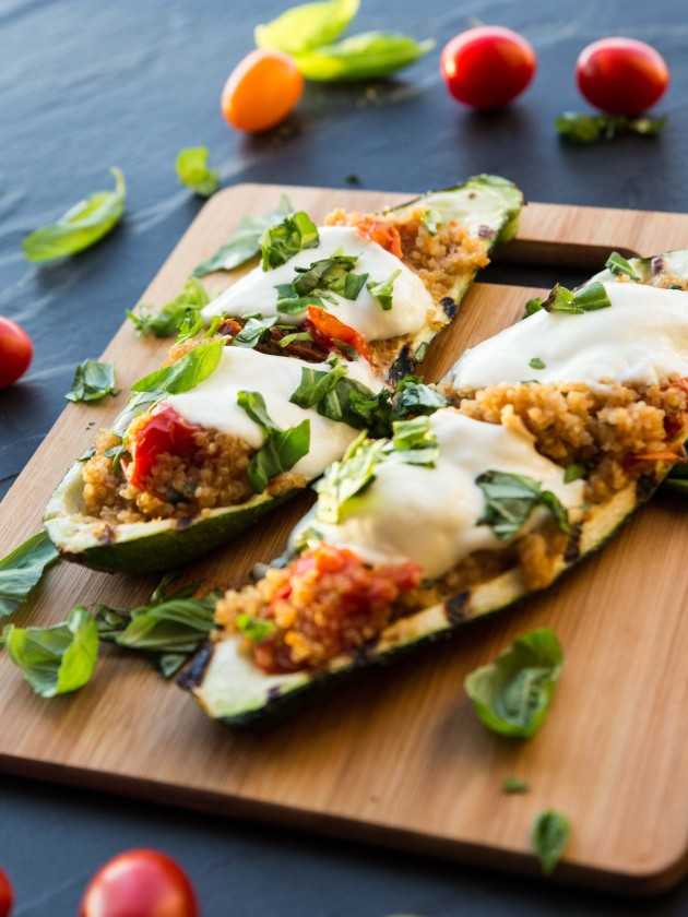 Caprese Quinoa Grilled Zucchini Boats - easy, healthy, summery vegetarian meal!