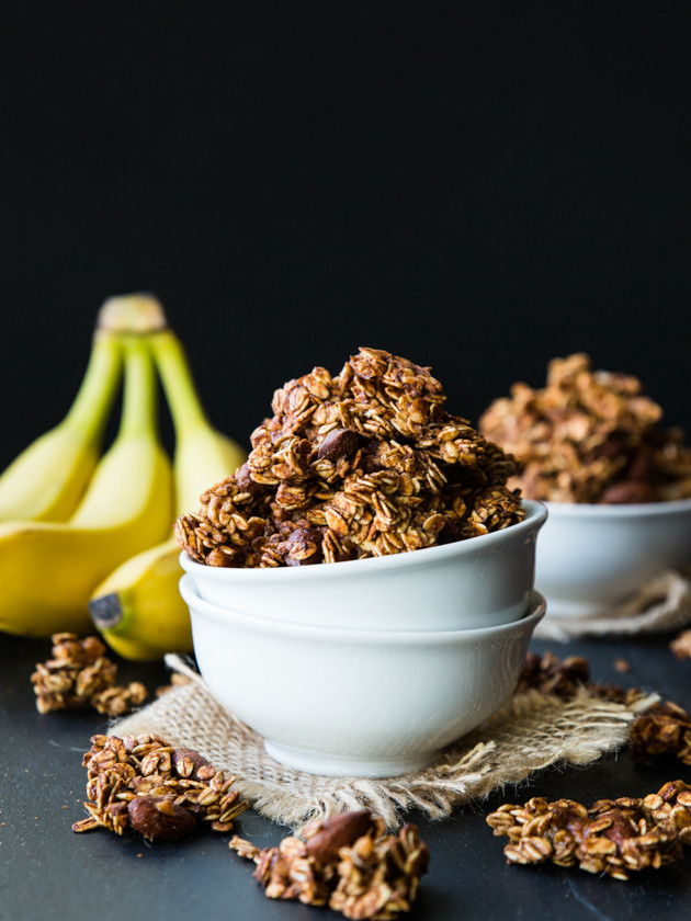 Caramelized Banana Nut Granola - big clusters of oats, caramelized banana, maple syrup, and nuts!