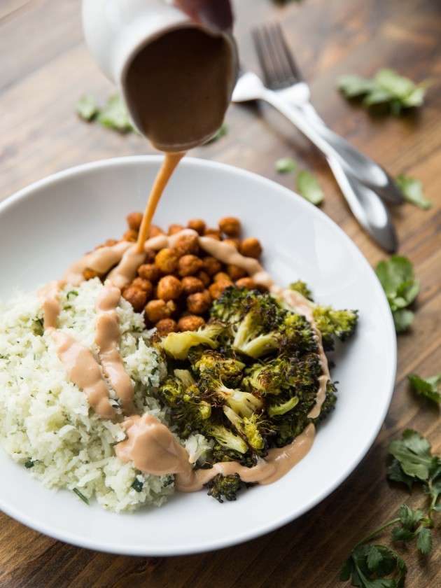 Power Lunch Bowls with Roasted Broccoli and Sriracha Peanut Drizzle #vegan #glutenfree #grainfree